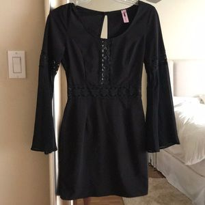 Solemio black wide sleeve mini dress